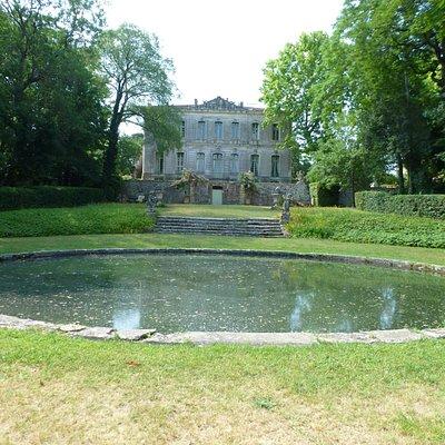 Château de l'Engarran côté jardin