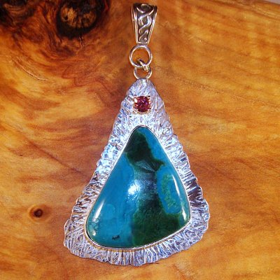 Arizona Gem Silica and faceted pink tourmaline pendant hand made by Michael, the owner