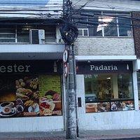 Agora consta de Confeitaria e Restaurante além de Padaria, para atender melhor