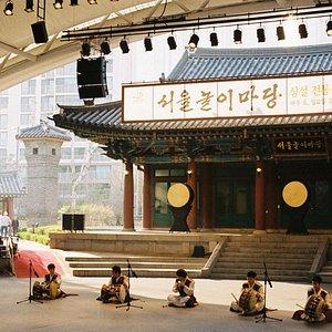 การแสดงดนตรีเกาหลี