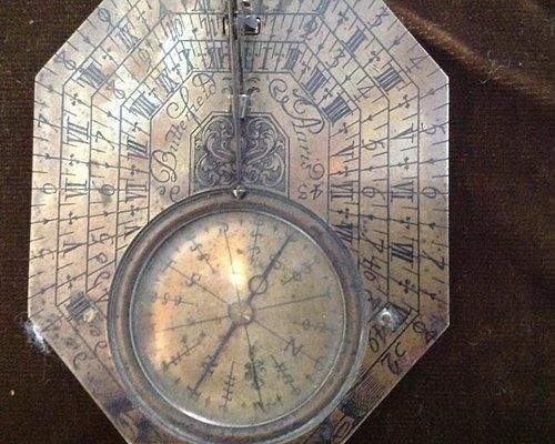 """Orologio solare tipo """" Butterfield"""" Francia XVIII se, Ottone"""