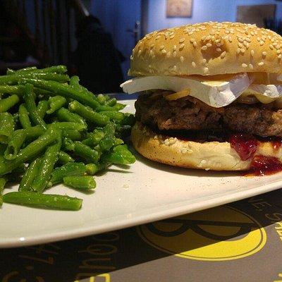 Burger Cerise et Brie...