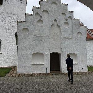 Hyllested Kirke - indgangsparti