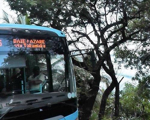 Bus dans le sud-est de Mahé