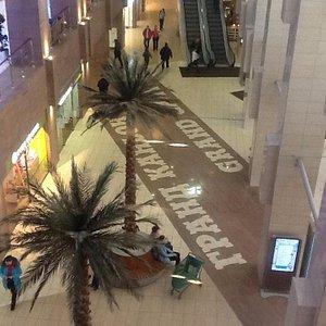 Вид из стеклянного лифта