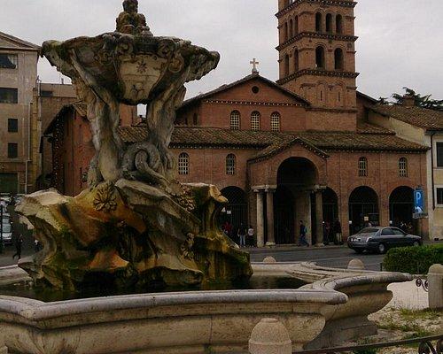 Fontana Dei Tritoni and Chiesa di Santa Maria in Cosmedin
