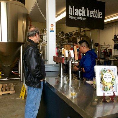 Black Kettle: growler fill