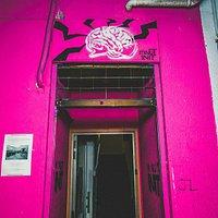 Minut Init Art Social entrance