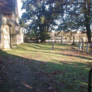 Church of St Michael and All Angels, Boulge, with graveyard
