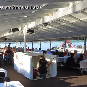 Excellent Dinner Cruise Experience