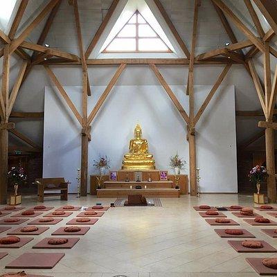 Handyman Amaravati Buddhist Temple
