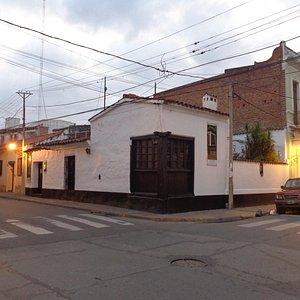 vista del frente de la casa museo