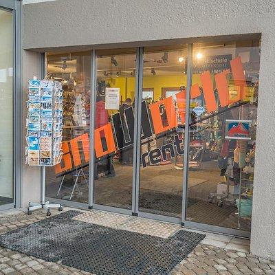 Shop Aussen 2