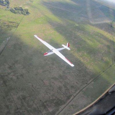 Volando en planeador sobre Canuelas