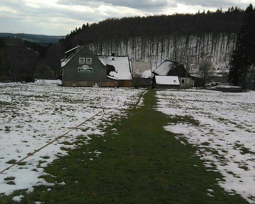 Auf Flitterwochen im April mit 20 cm Neuschnee. Im ganzen Winter hatte es nie so viel geschneit.