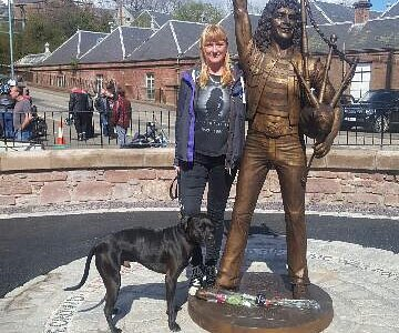 Unveiled yesterday! A great and fitting tribute to a rock legend. Only with AC/DC for a few year