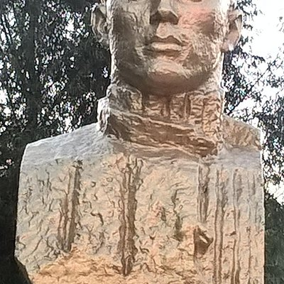 Памятник Митрофану