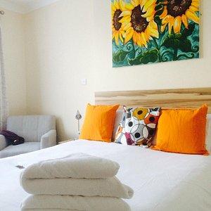 Such a pretty room & super clean 👍🏼
