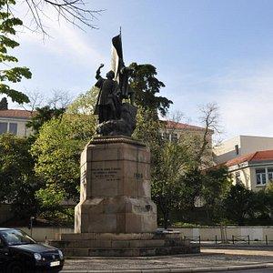 Памятник Педру Алваришу Камбралу