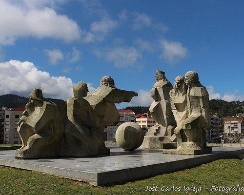 Monumento Encuentro Entre Dos Mundos