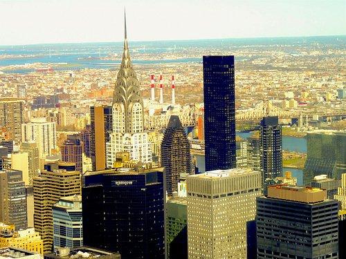 le Chrysler, dominant la skyline