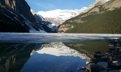 The best visiting season will be 1-15 of may, while there is ice on lake also has mirror image o