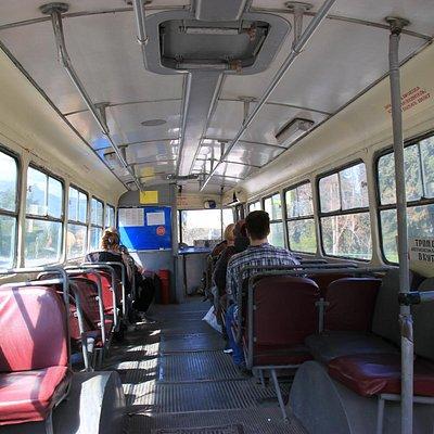 Троллейбус маршрута 2 в Алуште