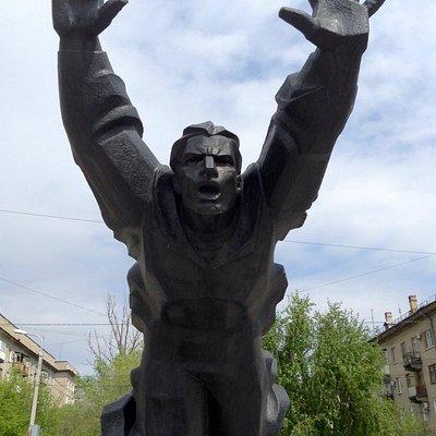 Необыкновенный по эмоциональному воздействию памятник.