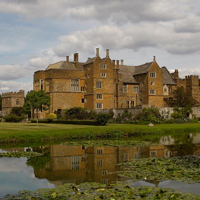 Broughton Castle- view from the south