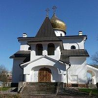 Храм святых апостолов Петра и Павла в Дибунах