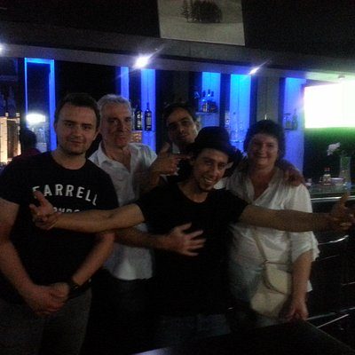 Au bar avec hicham et amine