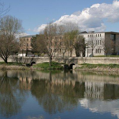 El Museu del Ter, una antigua fábrica situada al lado del río Ter en Manlleu (Barcelona). Fotogr