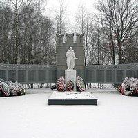Братская могила воинов Звонница