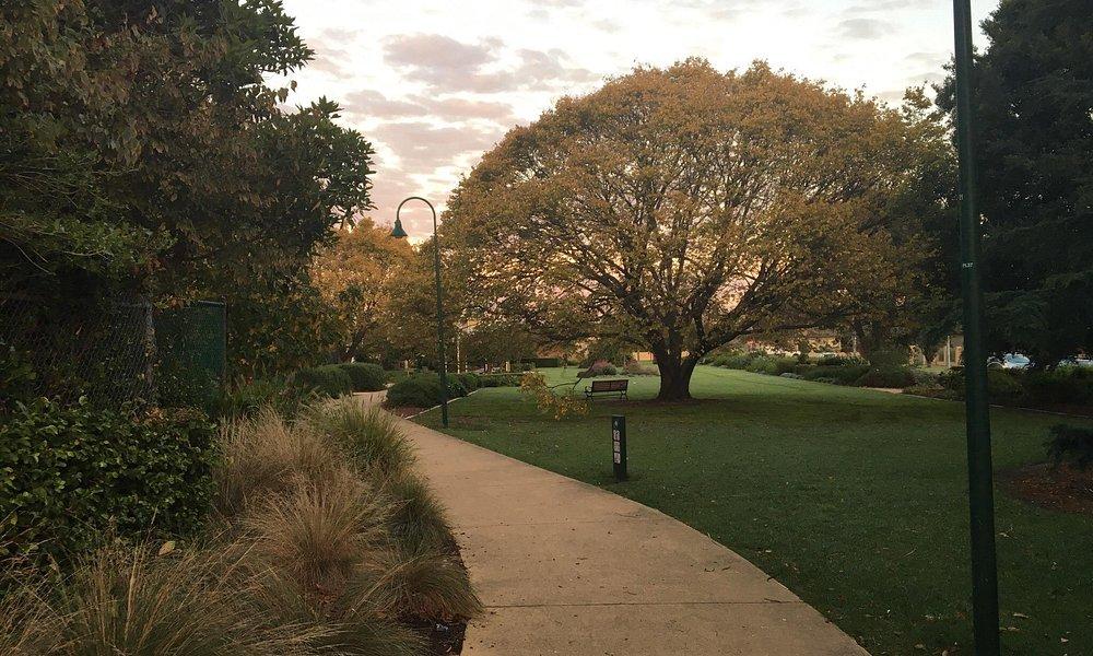 Another great suburban park hidden away