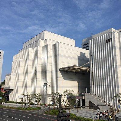 京急汐入駅前にあるので便利 JR横須賀駅からもベルニー公園を歩いてすぐ。
