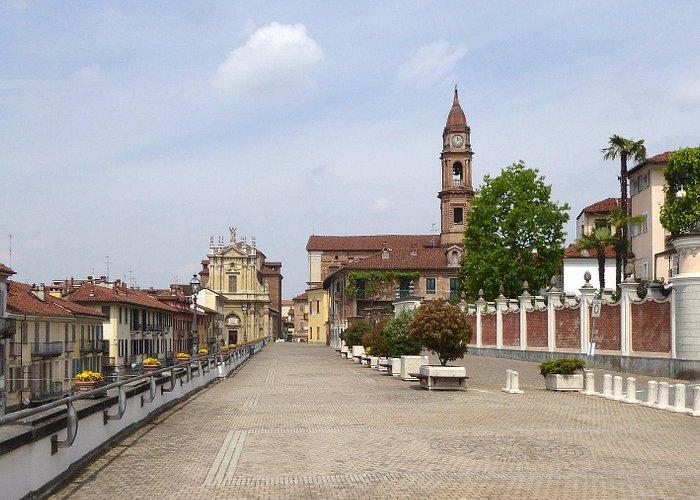 Sant'Andrea la Santissima Trinità da Corso Cottolengo
