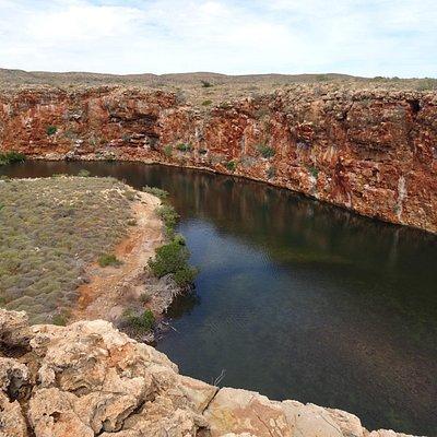 Yardie Creek Gorge - an interesting walk .. or a short boat cruise