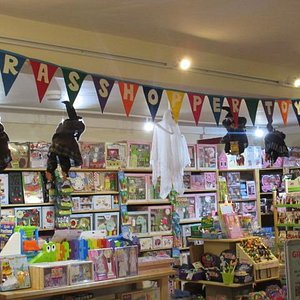 Grasshopper Toys, an exciting toy shop!