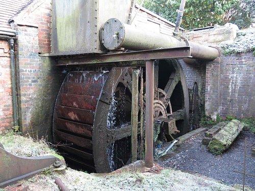 The heavy waterwheel