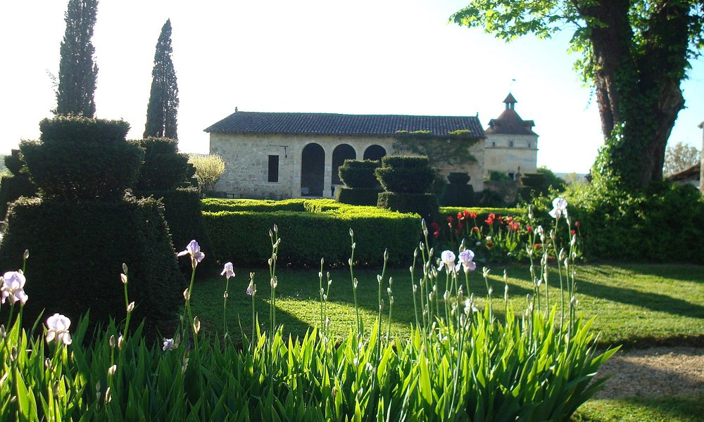 Garden with Orangerie and Colombier