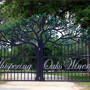 Welcome to Whispering Oaks Winery