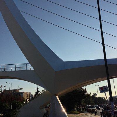 Calatrava footbridge, Mesogeion ave.