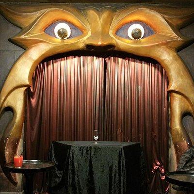 sala de magia de cerca