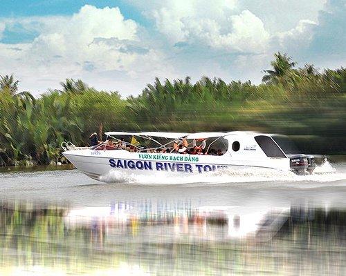 Luxury speedboat with 35 seats