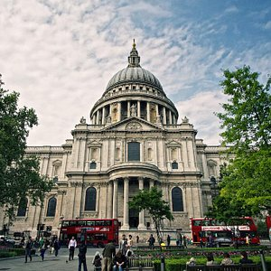 SANDEMANs NEW London Tours