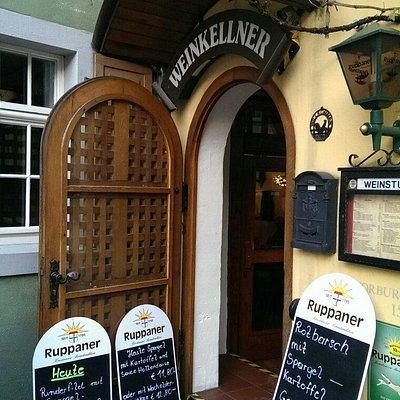 Eingangsbereich zum Weinkellner
