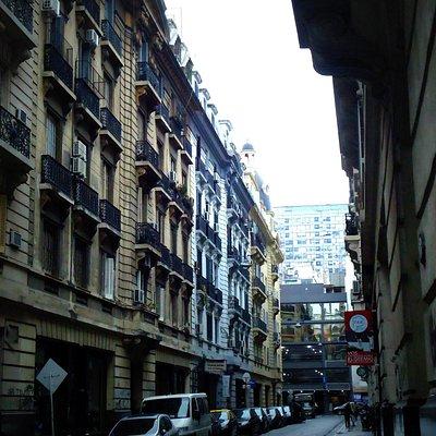 Une las calles Bartolomé Mitre con Juan D. Peron