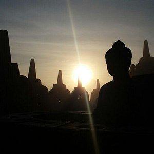 Borobudur Tour & Travel Magnificent sunrises