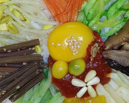 Jeonju Traditional Culture Center - Bimbimbap Making