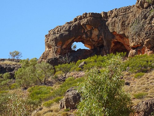 Natural arch in the limestone - Shothole Canyon